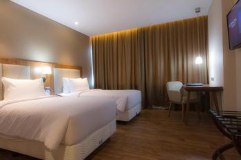 Avenzel Hotel & Convention Cibubur Bekasi - Superior Twin Room Regular Plan