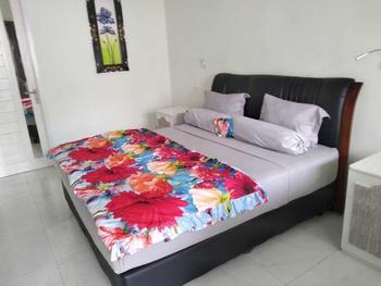 Bali Paradise Suites Seminyak  Bali - Deluxe Room Regular Plan