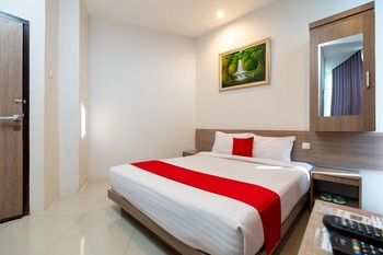 Hotel Domino Palembang - Deluxe Double Room Only LAST MINUTE