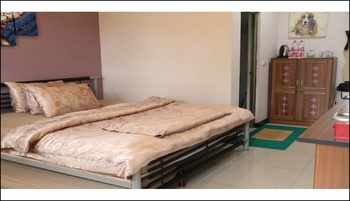 Mj's Guesthouse Dog Lovers Bandung - Standard Room 1 Pet Friendly Non Smoking Regular Plan