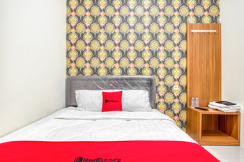 RedDoorz @ Rungkut Surabaya - RedDoorz Room Regular Plan