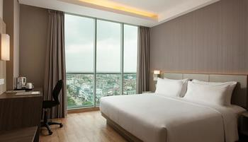 Hotel Santika Radial Palembang - Superior Room King Staycation offer  Regular Plan