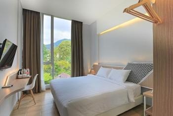 Facade Boutique Hotel Tawangmangu by Azana Karanganyar - Deluxe Room Only Regular Plan