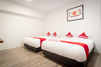 OYO 835 Metropolitan Home Stay Medan - Suite Family Regular Plan