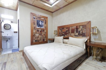 Alloyna Country Cottage Karo - Deluxe Room with Breakfast Gajian