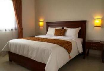Hotel Venetys Bandung - Standard King With Breakfast Regular Plan