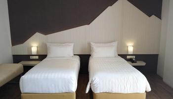 Bromo Park Hotel Probolinggo - Deluxe Twin Regular Plan