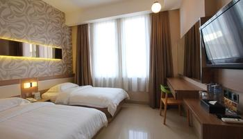 Classie Hotel Palembang - Deluxe Premier with Breakfast Always on