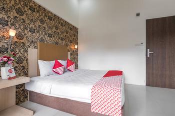 OYO 466 Gahara Hotel Makassar - Deluxe Double Room Regular Plan