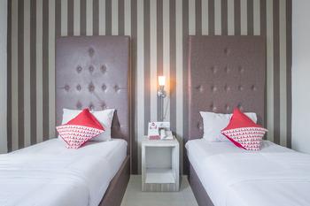 OYO 466 Gahara Hotel Makassar - Standard Twin  Room Regular Plan