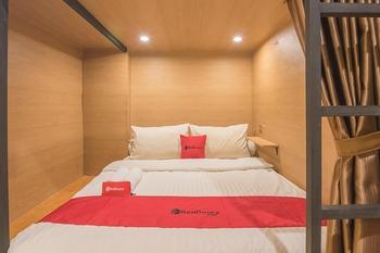 RedDoorz Hostel @ Grand Pangandaran Pangandaran - Double Bed in Mixed Dormitory Regular Plan