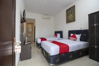 OYO 636 Apartmen Kak Okoh Bali - Standard Twin Room Regular Plan