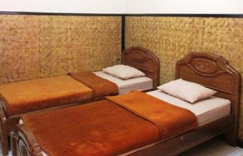 Lingga Guest House Jayagiri Lembang Bandung - Standard Room Hot Water Syariah Promo