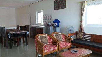Villa Mila Tepi Pantai Karang Hawu - Villa Room Only Regular Plan
