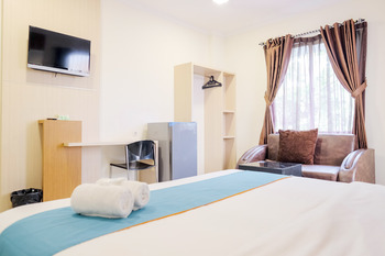 Sans Hotel Fiducia Serpong Tangerang Selatan - Suite Room Last Minute