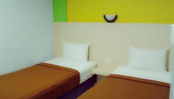 Hotel Pelangi Lampung - Standard Twin Room Only Regular Plan