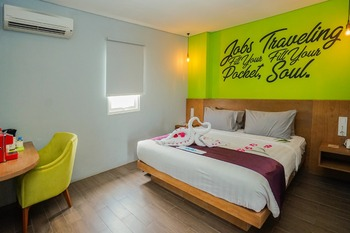 Radja Art and Boutique Hotel Simpang Lima Semarang - Deluxe Room Always On
