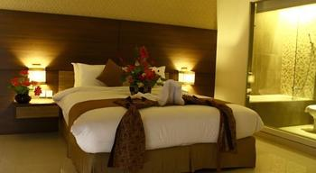 Crystal Lotus Hotel Yogyakarta - Deluxe Double or Twin Room Only 7D/6N Great Stay Promo