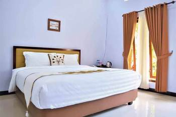 Malang Hill Syariah Malang - Standard Room KETUPAT