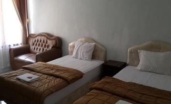 Hotel Puri Ksatria Batam - Deluxe Room Room Only