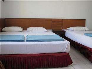 Hotel Tosari Malang - Triple AC Room Regular Plan