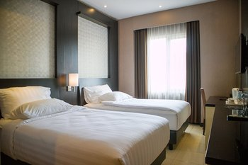 Karlita Hotel Tegal Tegal - Standard Room Twin (Non Smoking) Promo Stay Hepi