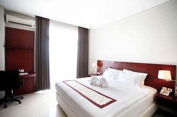 Karlita Hotel Tegal Tegal - Superior Room King (Smoking) Promo Stay Hepi