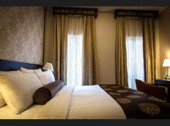Village Hotel Albert Court - Club Double Room Pesan lebih awal dan hemat 25%