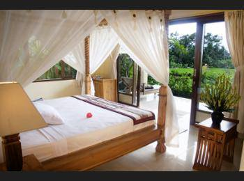 Sri Bungalows Ubud - Deluxe Double Room Regular Plan