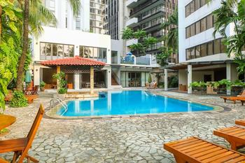 3 Bedrooms Luxury Senopati SCBD Apartment by Travelio