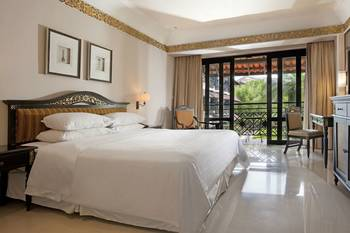 Sheraton Mustika Yogyakarta Resort and Spa Yogyakarta - Deluxe Room, 1 King Bed, Balcony, Garden View Regular Plan