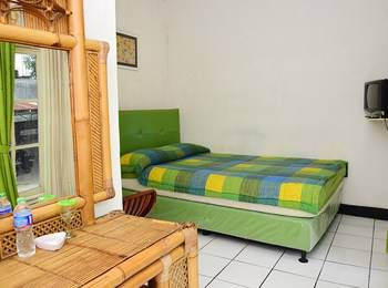 Hotel Suminar Garut - Standard Room With Breakfast Regular Plan