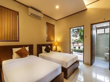 Yulia Beach Inn Bali -  Deluxe Interconnecting Room only Last Minute 30D 30%