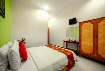 Bali Taman Lovina Resort Bali - Superior Room Non Refundable Great Deal!