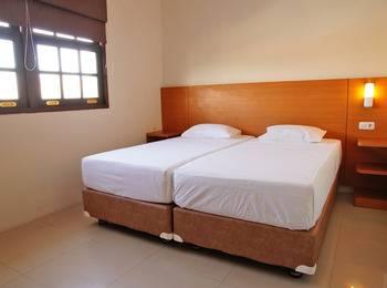 RedDoorz @Kupang Baru Surabaya - RedDoorz Room Special Promo Gajian