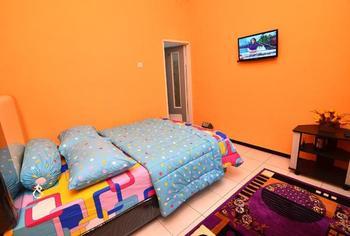 Homestay Midi Malang - Standard Room Only Regular Plan