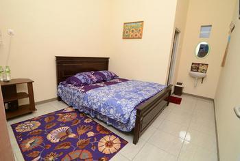 Homestay Midi Malang - Deluxe Room Only Regular Plan
