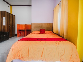 RedDoorz Syariah near BSCC DOME Balikpapan - RedDoorz Room BASIC DEALS