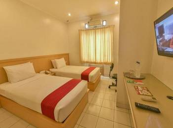 Cherry Homes  Bandung - Deluxe Room Regular Plan