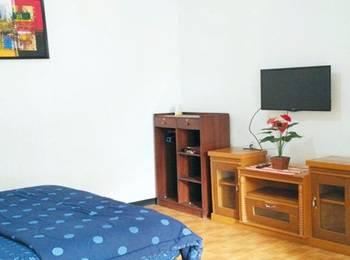 Seruni Guest House Bandung - Deluxe Room Regular Plan