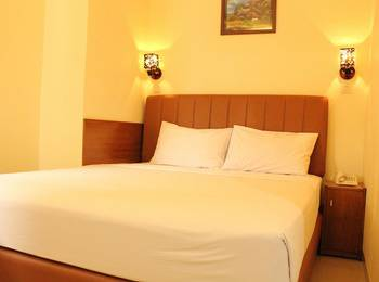 House of Arsonia Orchid   - Standard Room Only November special