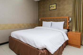 Sky Inn Ketintang 1 Surabaya Surabaya - Deluxe Double Room Only Regular Plan