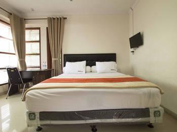 RedDoorz @Cikutra Bandung - RedDoorz Room Special Promo Gajian