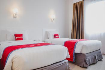 RedDoorz Premium @ Bandung City Center Bandung - RedDoorz Twin Room with Breakfast Regular Plan
