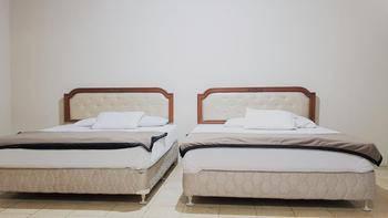 Pelangi Hotel Lembang Lembang - Family Room Regular Plan