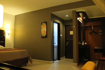 Travello Hotel Manado - Deluxe Regular Plan