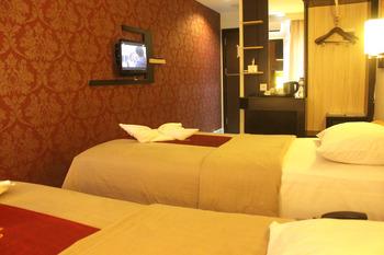Travello Hotel Manado - Studio 1 Twin Regular Plan