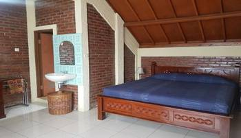 Samakta Guest House Lembang - Deluxe Room Regular Plan