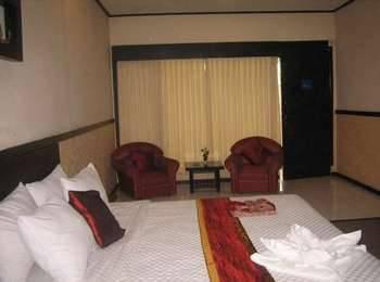 Insumo Palace Hotel & Resort Kediri - Kamar Deluxe Regular Plan