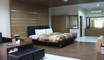 Hotel SM Cibitung Bekasi - Suite Room Regular Plan